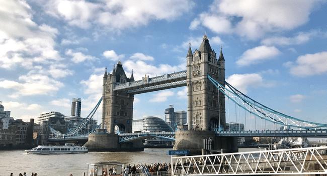 אינסוף אטרקציות ומוקדי עניין. גשר Tower Bridge