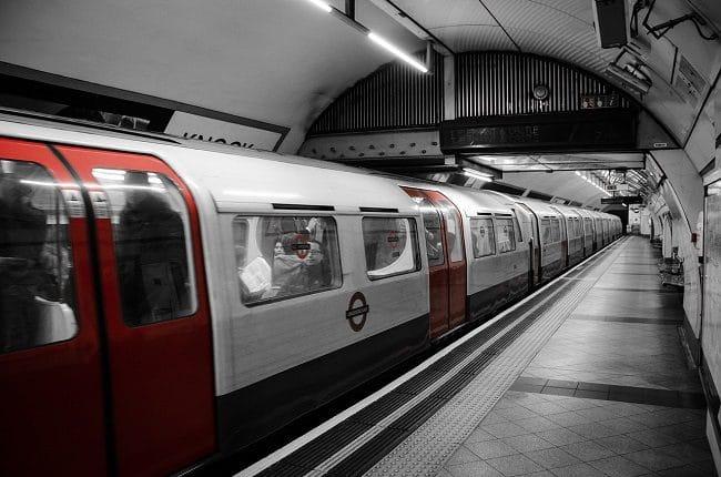 אי אפשר בלעדיה. האנדרגראונד - הרכבת התחתית של לונדון