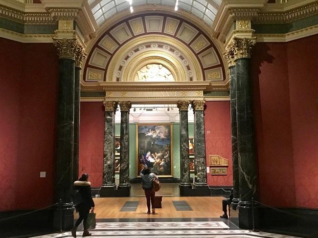 יותר מ-2,300 מהציורים הגדולים באירופה מימי הביניים ועד היום תחת קורת גג אחת. הנשיונל גלרי.