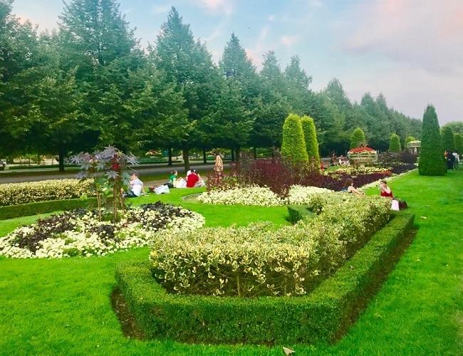 פארק רייג׳נטס. גן ורדים, גן חיות, סרטים באוויר הפתוח ותצפית על העיר