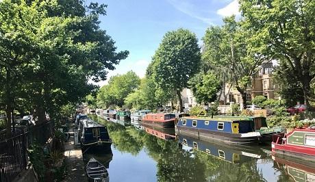 איזור ונציה הקטנה שבמערב לונדון בחודש יוני, מהתקופות המומלצות ביותר לביקור בלונדון - עותק