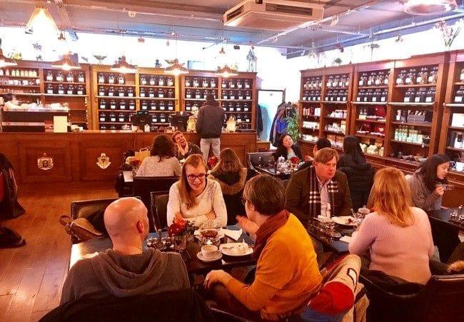 יותר מ-300 סוגי תה. London Tea Exchange