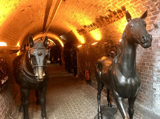 ׳סמטת הסוסים׳ בשוק האורוות