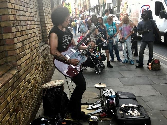 אם יש דבר שלא חסר בלונדון זה שכונות מגניבות. רחוב בריק ליין