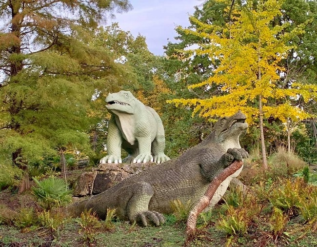 דינוזאורים בפארק קריסטל פאלאס
