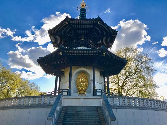 נתרמה ע״י נזירים בודהיסטים בשנת 1985 ונחשבת לאחת מהגדולות והיפות בעולם. פגודת השלום של לונדון