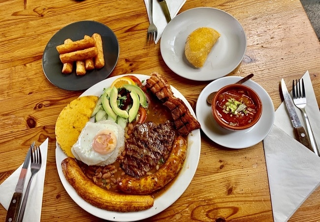 אוכל-קולומביאני-אותנטי-ומאוד-משתלם-וממלא.-El-Rancho-De-Lalo