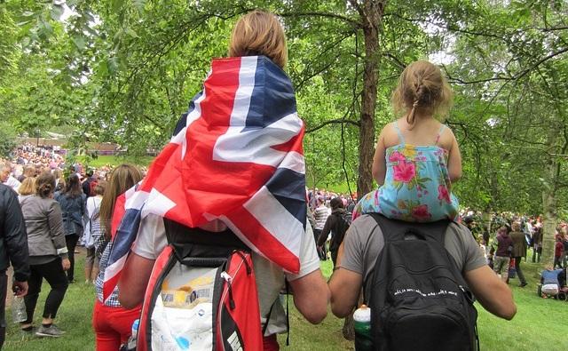 משפחה מטיילת בלונדון