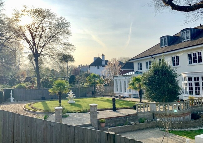 חלק מה׳חגורה הירוקה׳ של לונדון. בתים ב-Sundridge Park