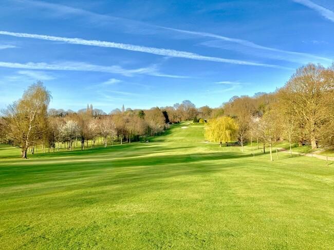 מדשאות שלא נגמרות. מועדון הגולף והפארק Sundridge שבדרום מזרח לונדון