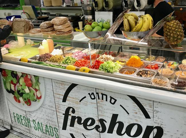 הי בריטים, מה כל כך קשה בשמן זית ולימון? דוכן סלטים, טוסטים ומיצים בישראל