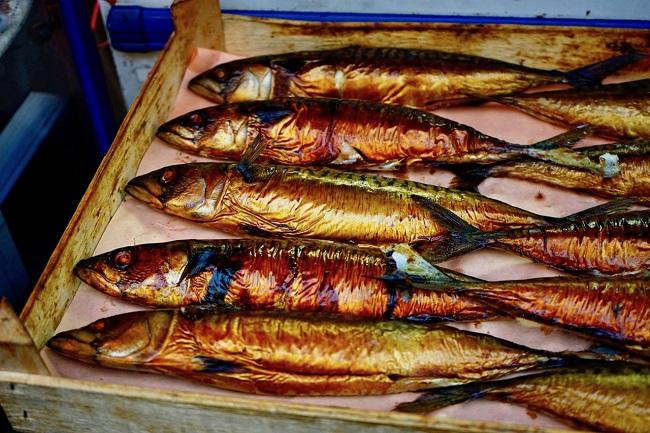 דגים מומלחים בשוק בריקסטון (צילום: נורית פלד)
