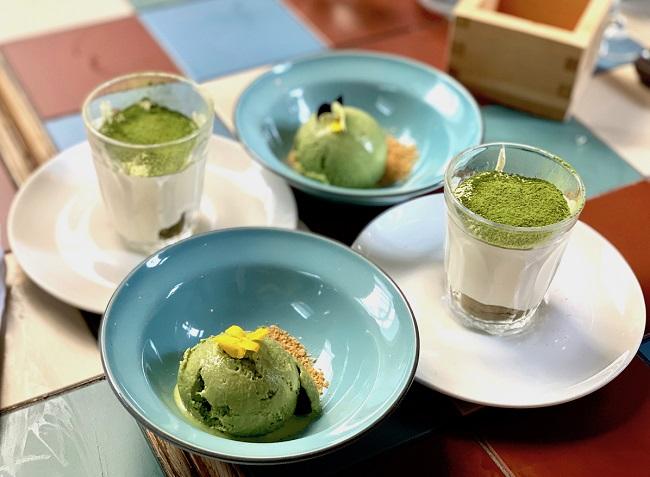 קינוחים מבוססי מאצ׳ה במסעדת ׳יאשין אושן האוס׳