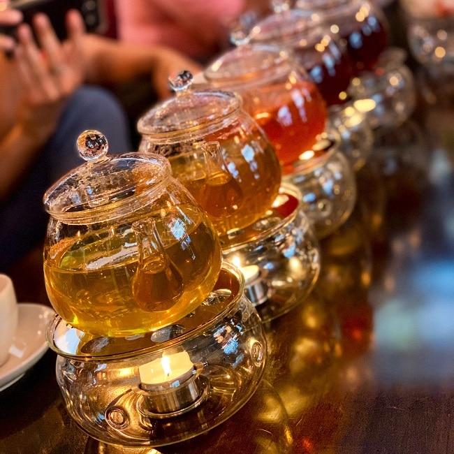 קנקני תה בבורסת התה של לונדון