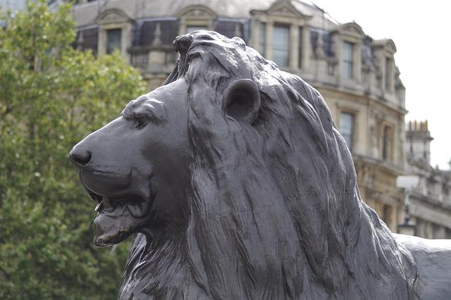 האריות בכיכר טרפלגר