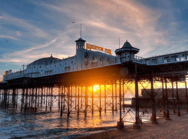 לונה פארק של פעם על המזח. Brighton Pier