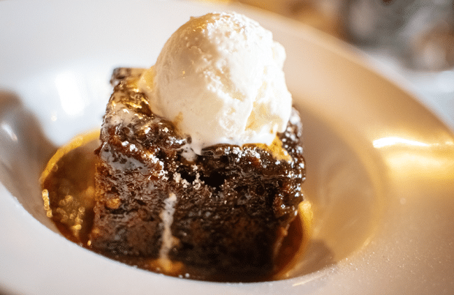 סטיקי טופי פודינג - Sticky Toffee Pudding