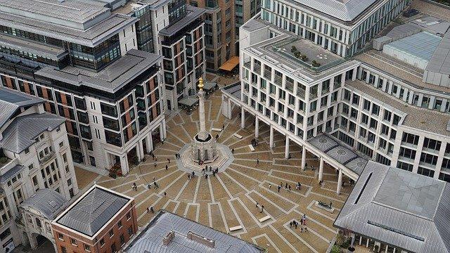 העמוד בכיכר פטרנוסטר - Paternoster Square