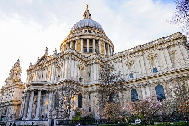 קתדרלת סנט פול בלונדון - St Paul's Cathedral