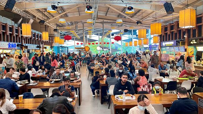 מתחם האוכל האסיאתי הגדול באירופה. Bang Bang Oriental Foodhall