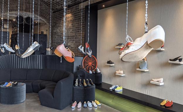 חנות נעליים בקינגס קרוס